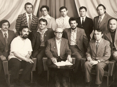 Professor A. Shtogarenko and students (1972). K. Vilensky - next to professor