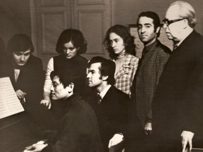 Professor A. Shtogarenko and students (1974)